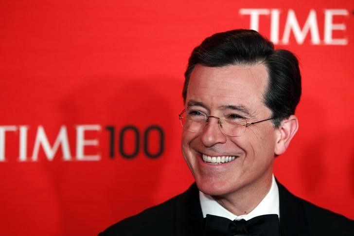 Comediante Stephen Colbert irá apresentar o Emmy 2017