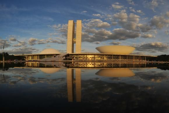 Maioria dos políticos citados não quis se pronunciar / Agência Brasil