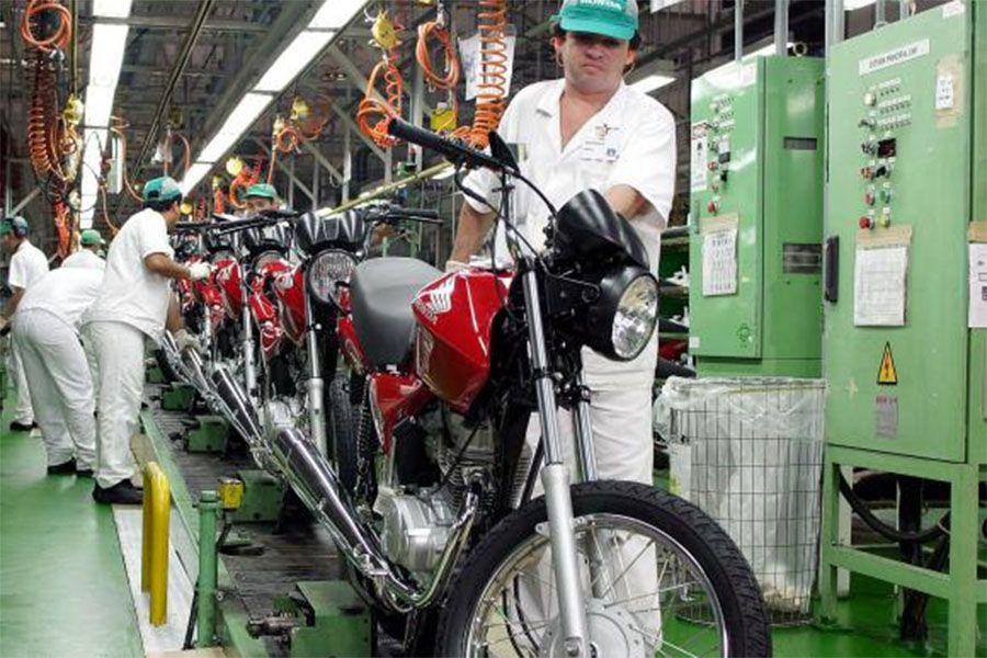 Produção industrial medida pelo IBGE cai 1,8% em março