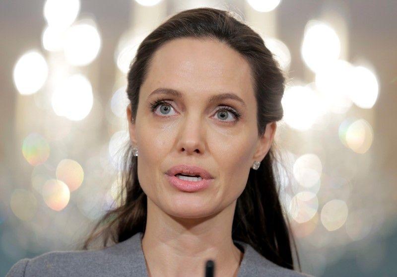 Angelina Jolie confessa que não gosta de estar solteira