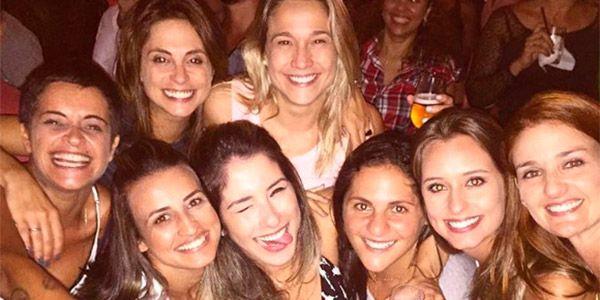 Fernanda Gentil e amigas