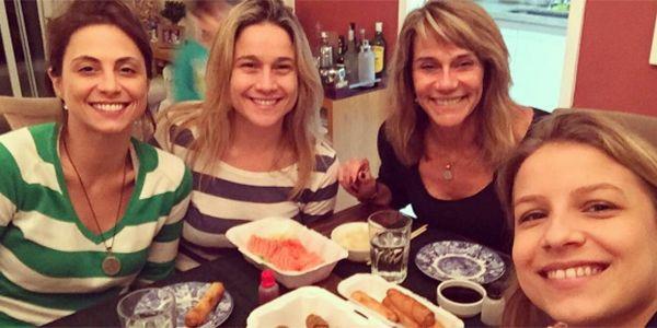 Priscila Montadon e Fernanda Gentil e familia