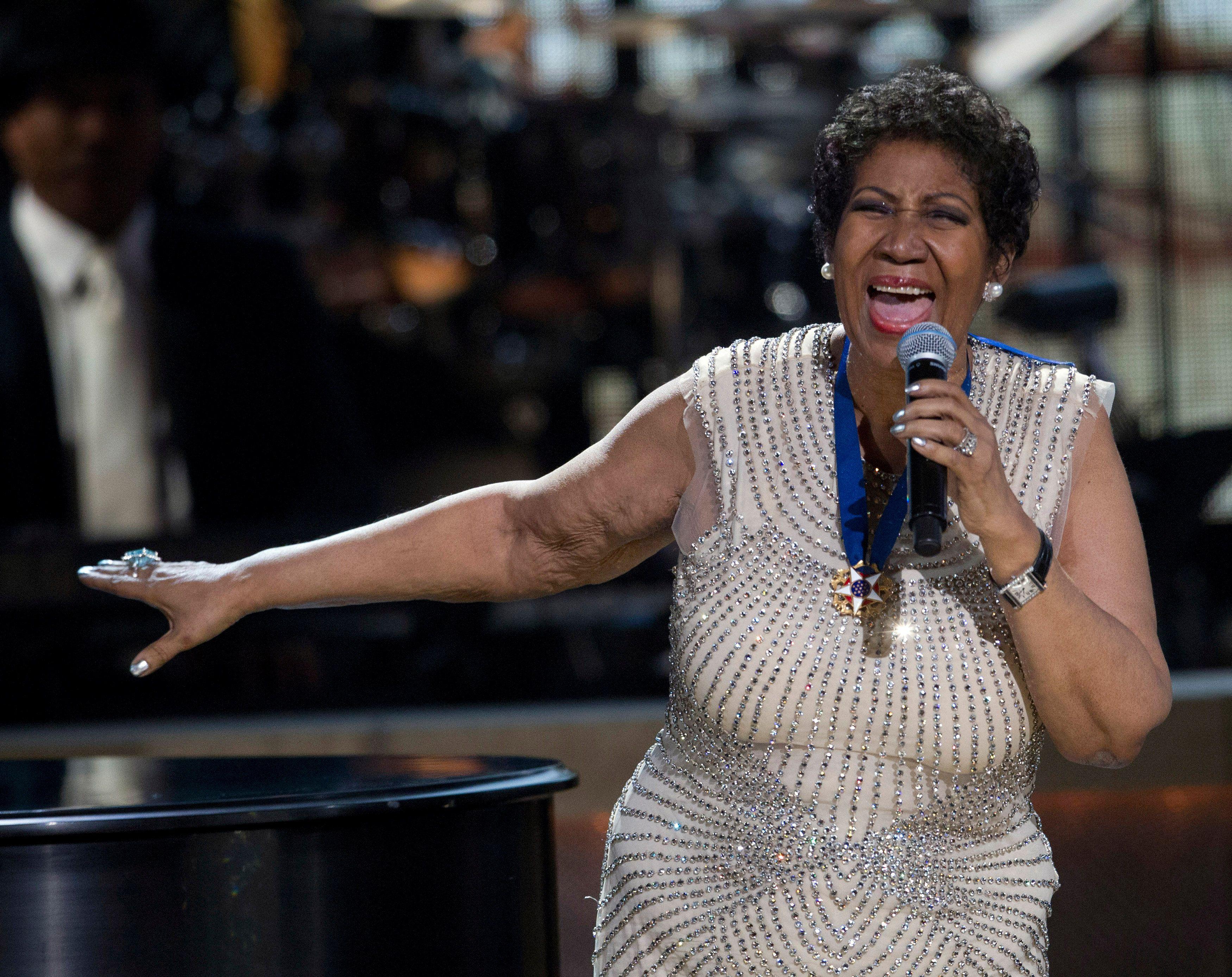 Aos 74 anos, Aretha Franklin anuncia afastamento dos palcos