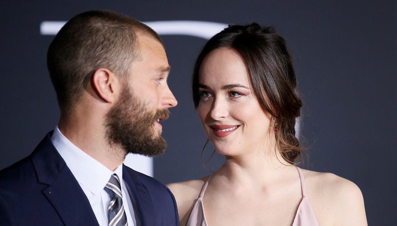 Jamie Dornan e Dakota Johnson na estreia de 50 Tons Mais Escuros / Danny Moloshok/Reuters