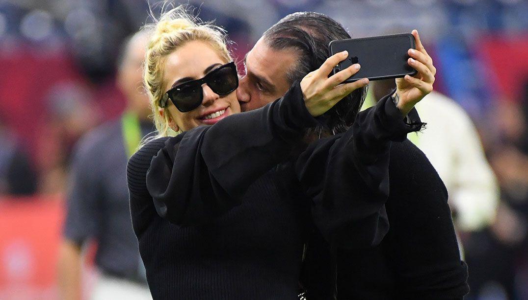 Lady Gaga engata romance com o seu agente