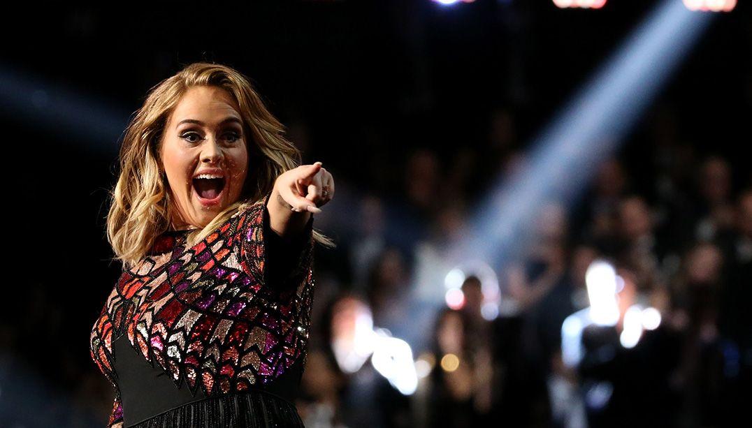 Adele conquistou os maiores prêmios do Grammy 2017