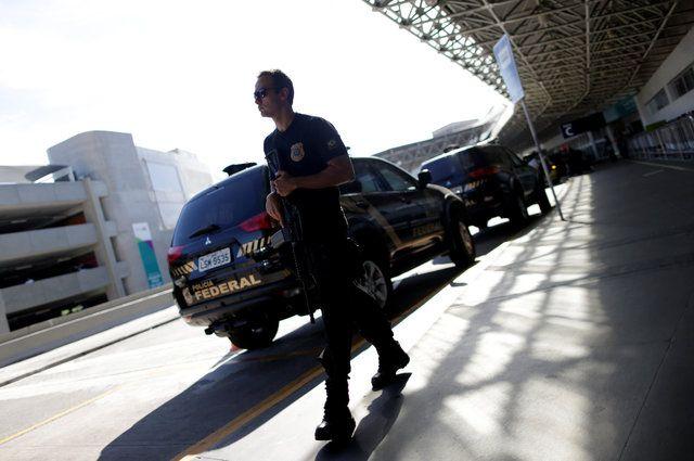 Interpol prende lobistas apontados como operadores do PMDB
