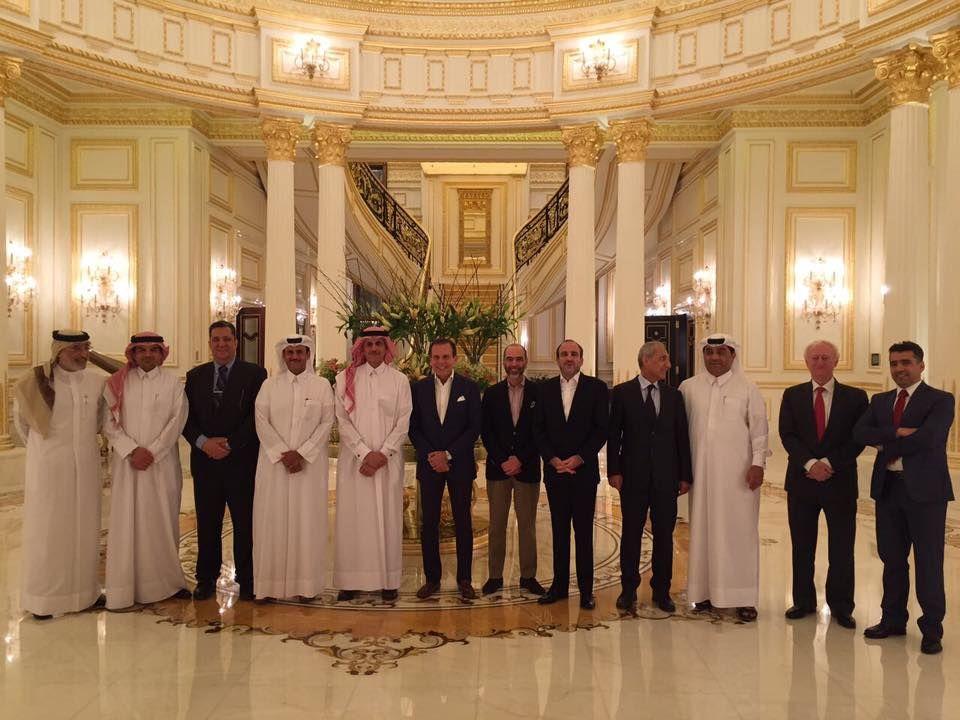 Doria no Qatar, entre possíveis investidores / Reprodução/Facebook