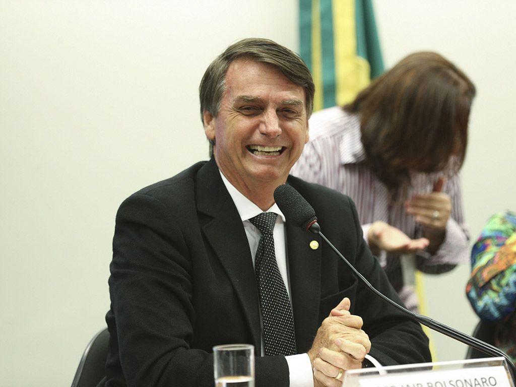 Cúpula do PR tenta atrair Jair Bolsonaro