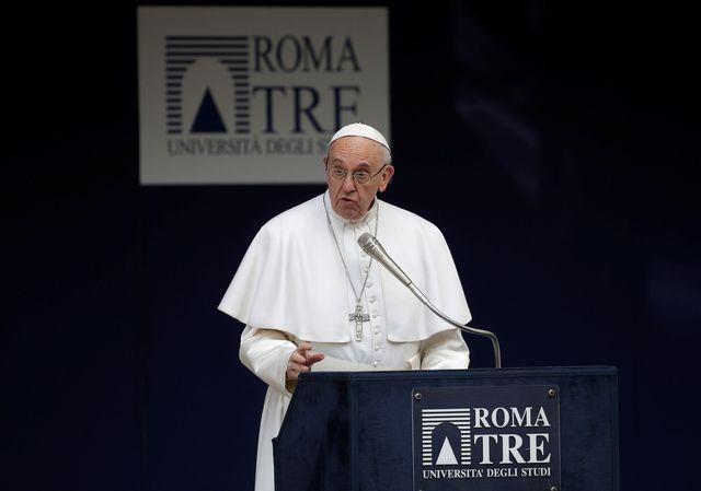 Pontífice discursa durante visita a Universidade de Roma Três / Max Rossi/Reuters