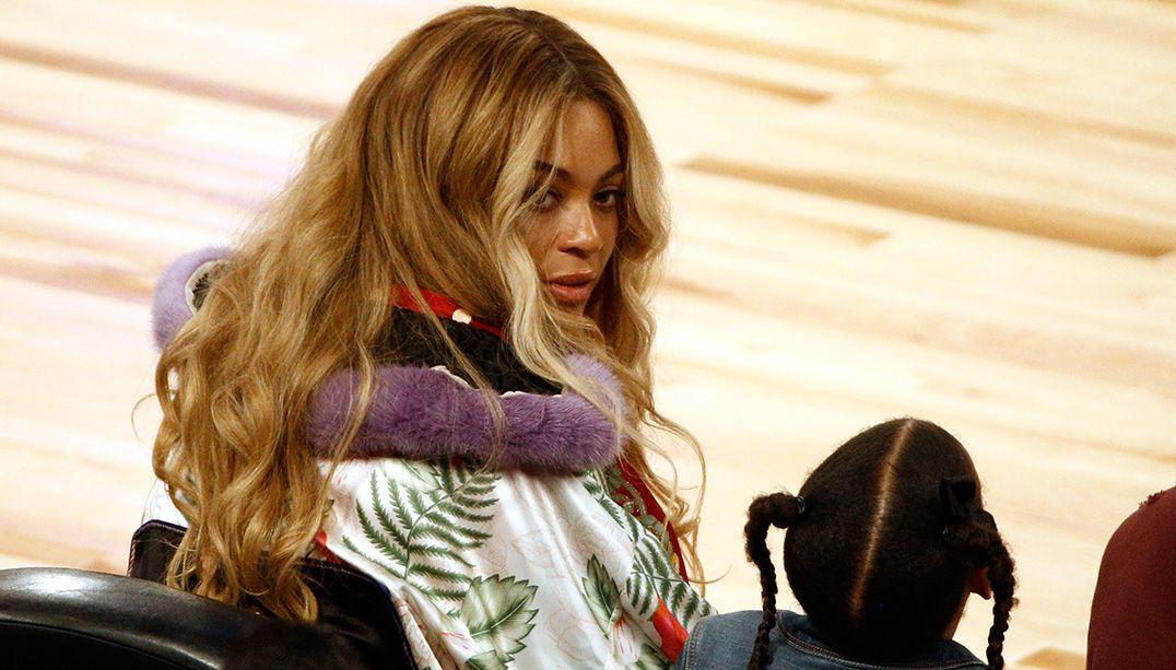 Beyoncé curtiu jogo com a família / Derick E. Hingle-USA Today Sports/Reuters