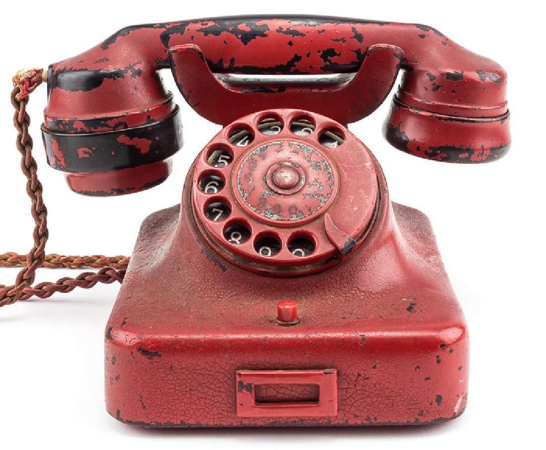 Telefone de Adolf Hitler é leiloado por US$ 243 mil