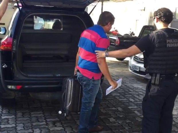 Azevedo foi preso em Porto Seguro, cidade onde está morando  / Divulgação/ Polícia Federal