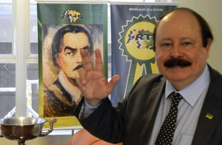 Levy Fidelix terá que pagar multa de R$ 25.700