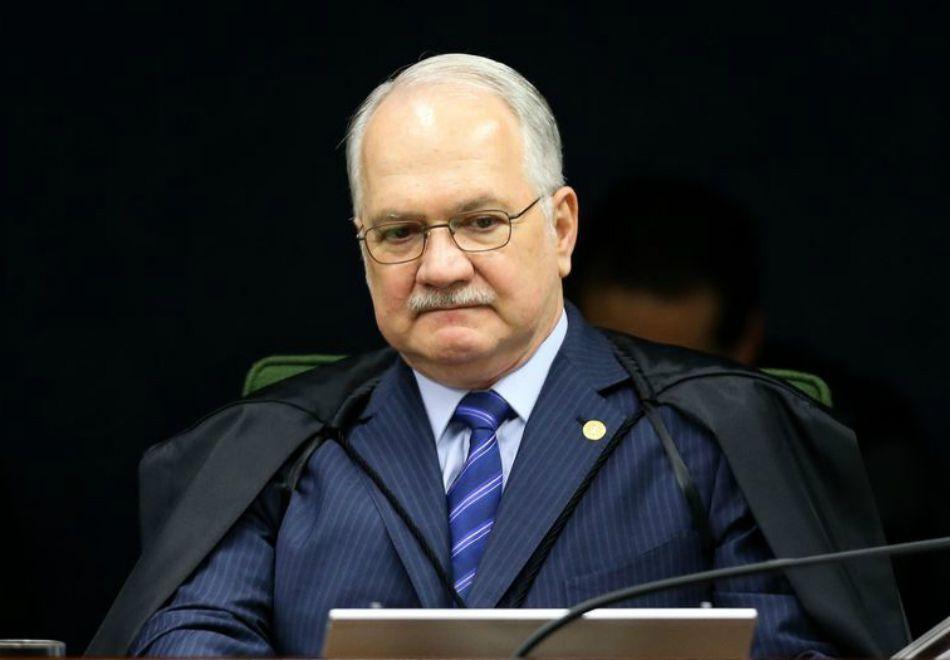 Fachin nega acesso de Lula e Aécio a delações da Lava Jato