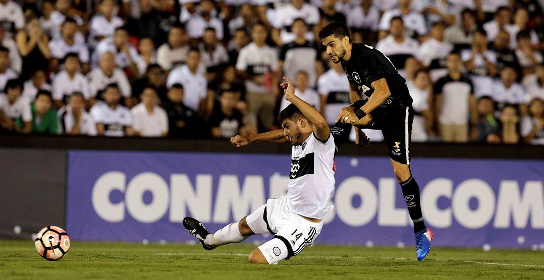 Botafogo e Atlético-PR avançam na Libertadores