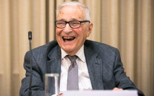 Vencedor do Nobel, Kenneth Arrow morre aos 95 anos