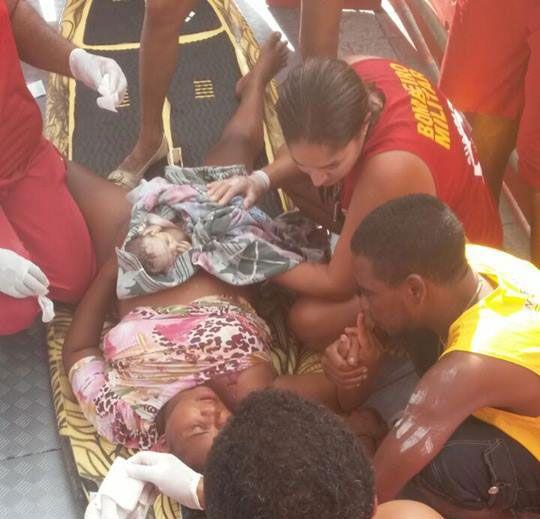 Vendedora ambulante dá à luz no circuito Barra Ondina
