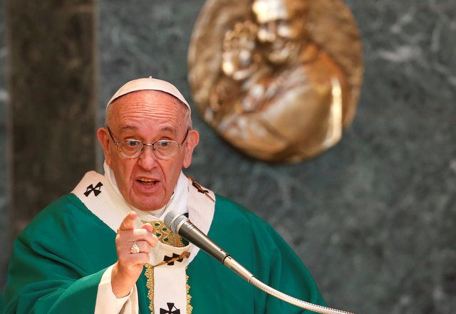 Papa doa 15 mil euros para agricultor atingido por terremoto