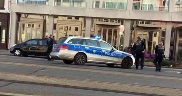 Motorista alemão é preso após atropelar multidão