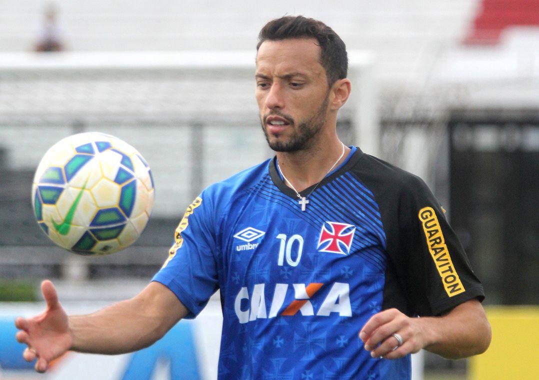 Milton Mendes deu indícios de que Nenê pode não ser relacionado / Paulo Fernandes/Vasco.com.br