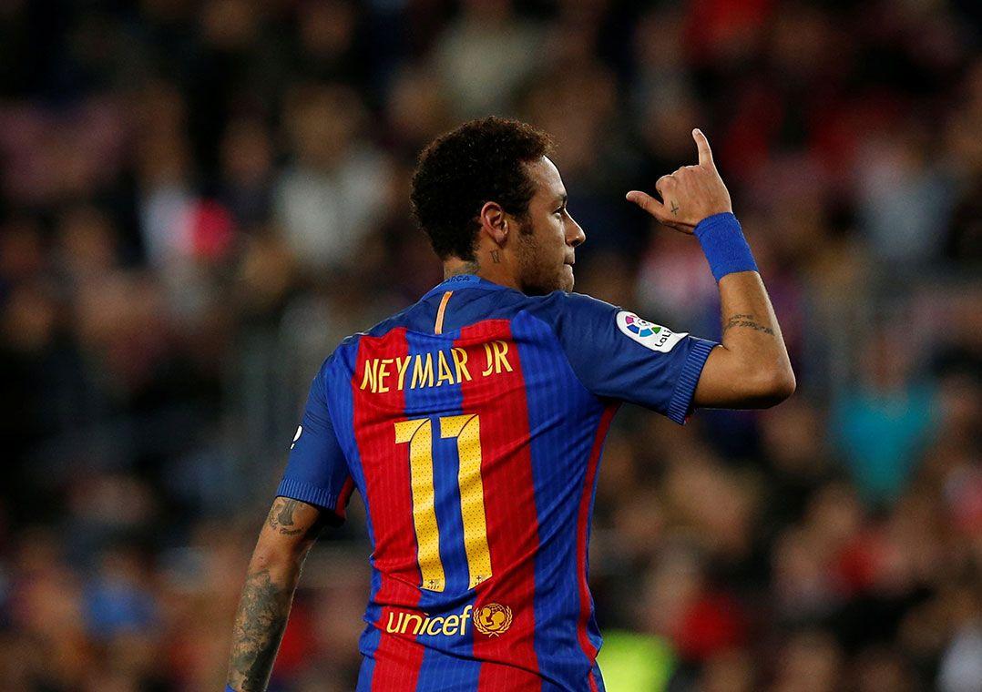 99a8ed53e8 Neymar disse que vitória sobre o PSG por 6 a 1 é uma de suas melhores  memórias no esporte (Foto  Albert Gea Reuters)