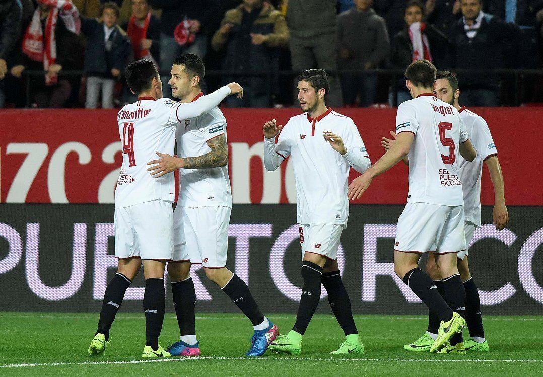 e0b5ac8dbd Sevilla está na caça aos gigantes Barcelona e Real Madrid no topo da tabela  (Foto  Divulgação Sevilla)