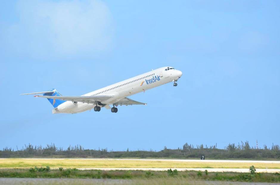 Haitianos estão há quatro dias em aeroporto de Manaus