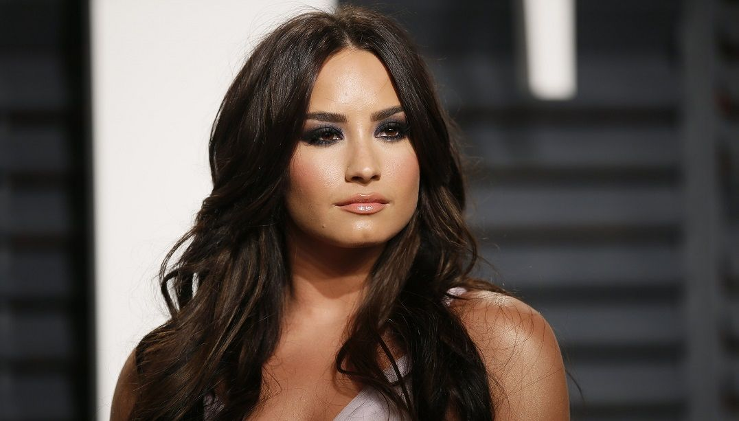Demi Lovato vai lançar música com Ashley Tisdale e Avril Lavigne