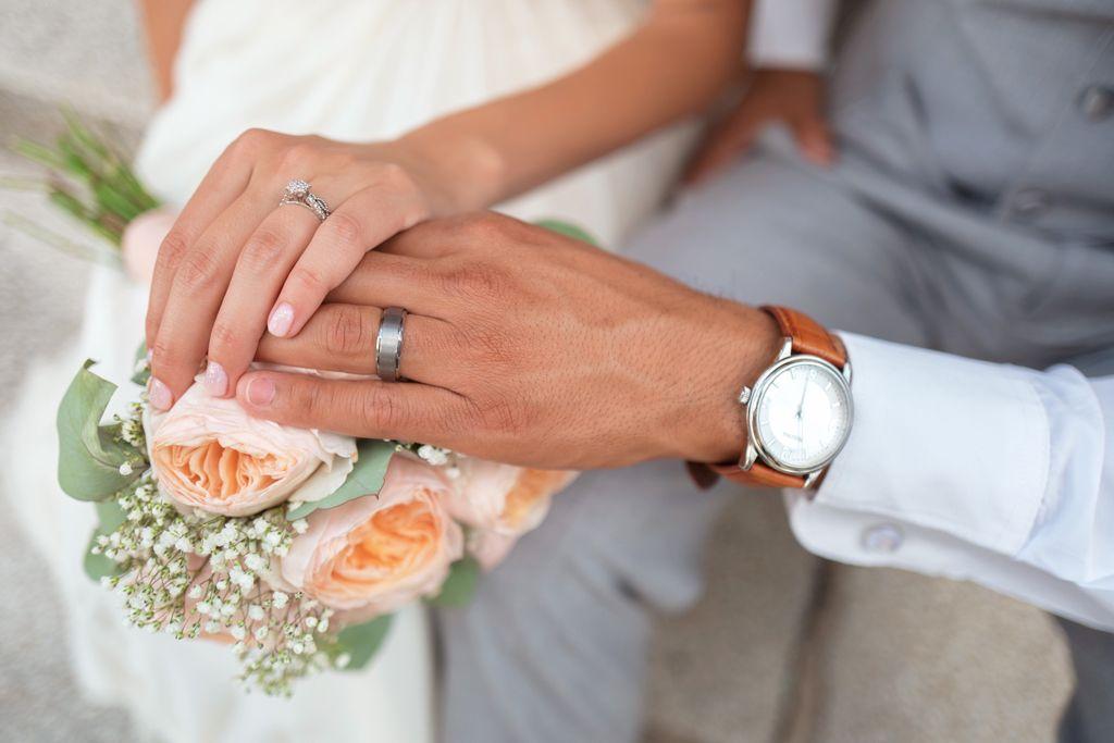 Justiça autoriza divisão de pensão entre esposa e companheira