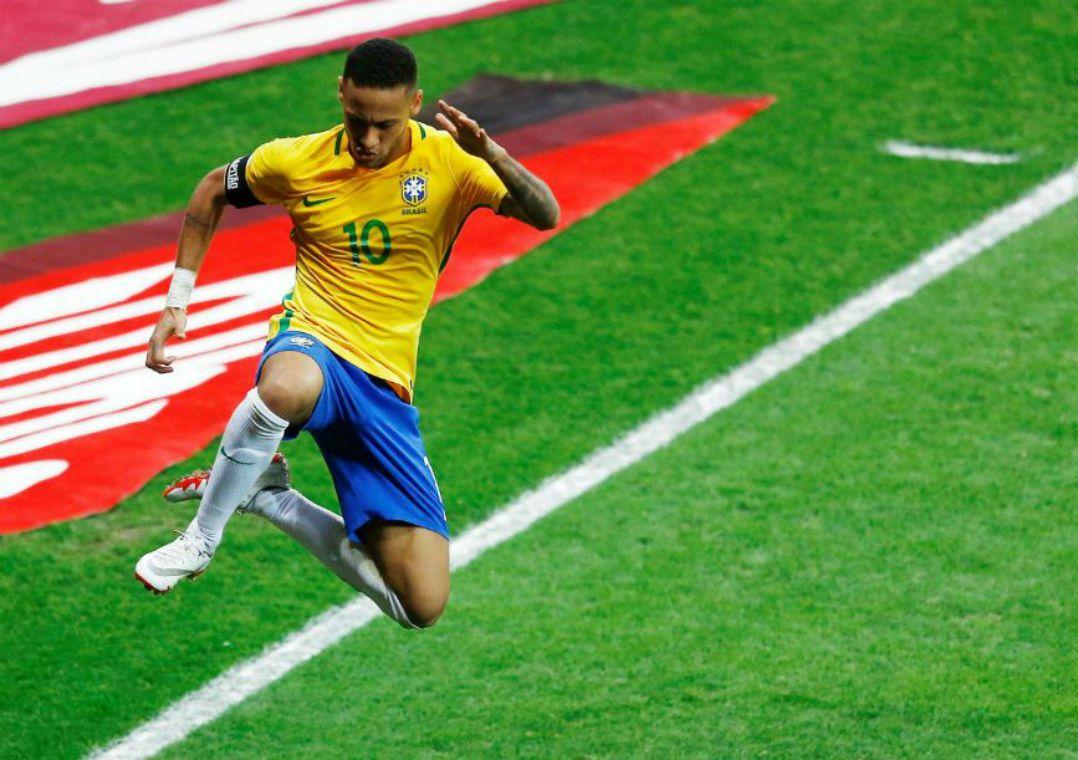 Dono do Chelsea quer contratar Neymar para manter treinador