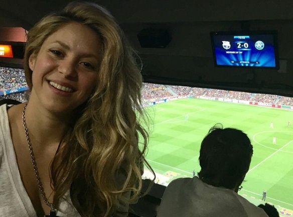 Shakira enlouquece com classificação do Barcelona