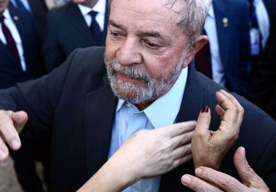 Lula é réu em cinco ações na Justiça e investigado na Operação Lava Jato / Juca Varella/ABr