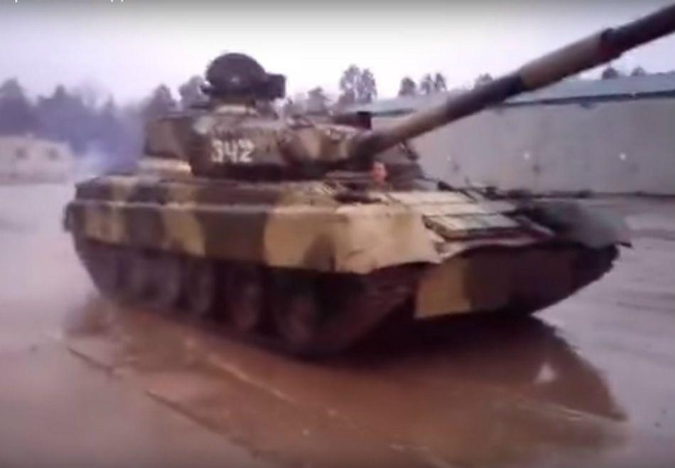 Vídeo mostra manobra radical de tanque de guerra