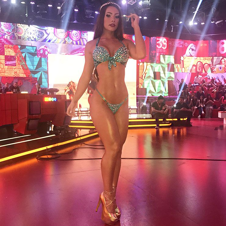 Wendy Tavares embelezou o palco do Pânico no domingo