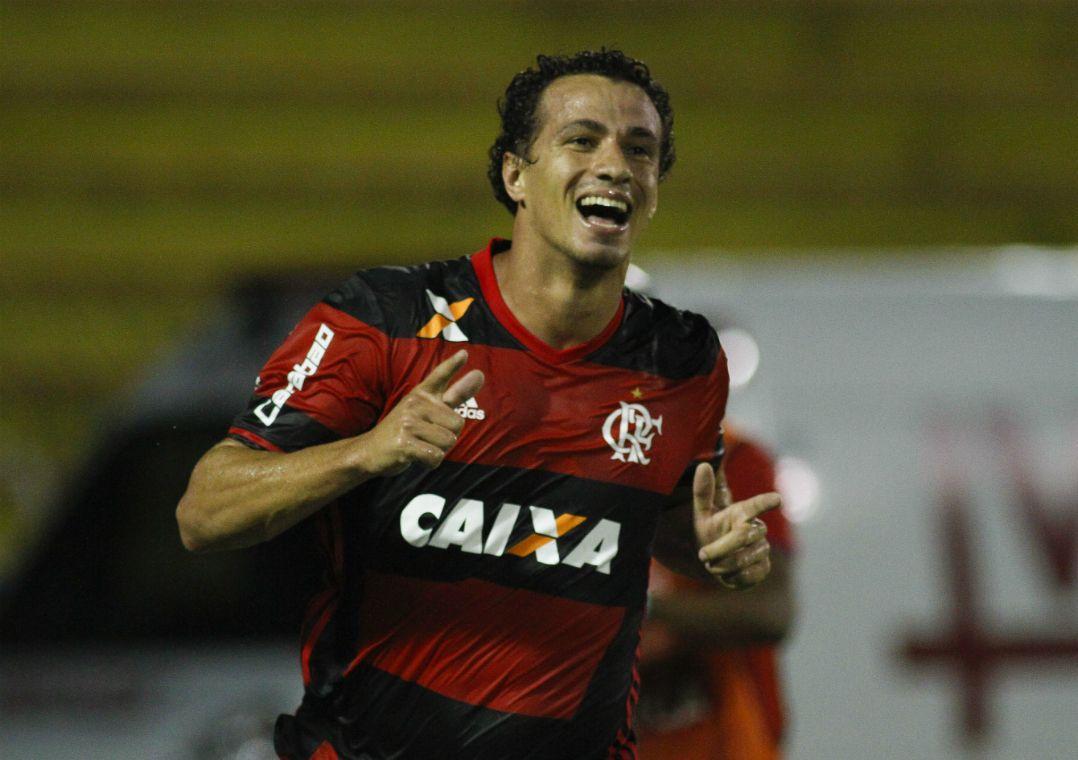 De saída, Leandro Damião agradece Flamengo nas redes sociais