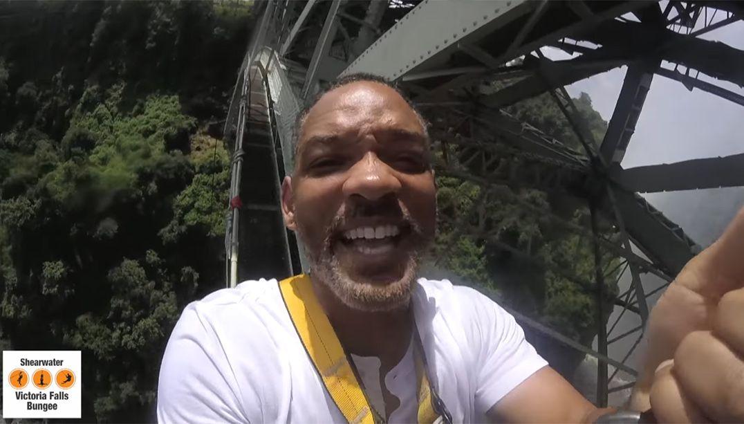 Will Smith salta de bungee-jump na África