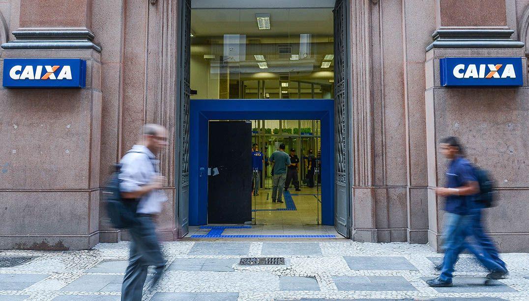 Saque do FGTS: agências da Caixa abrem mais cedo