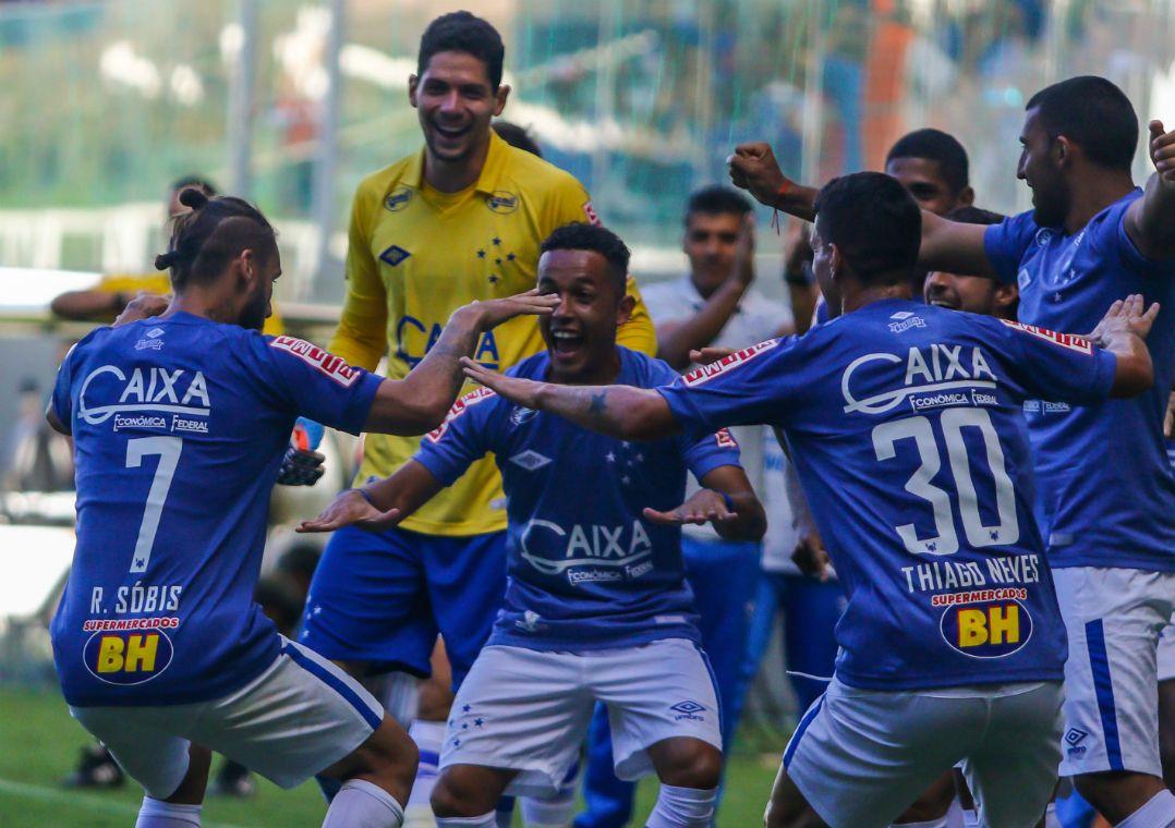 3480dd6b18 Sobis marcou o único gol do jogo (Foto  Giazi Cavalcante Estadão Conteúdo)