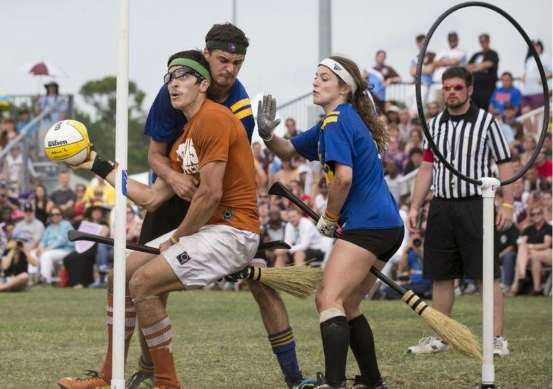 Fãs de Harry Potter disputam Copa de Quadribol