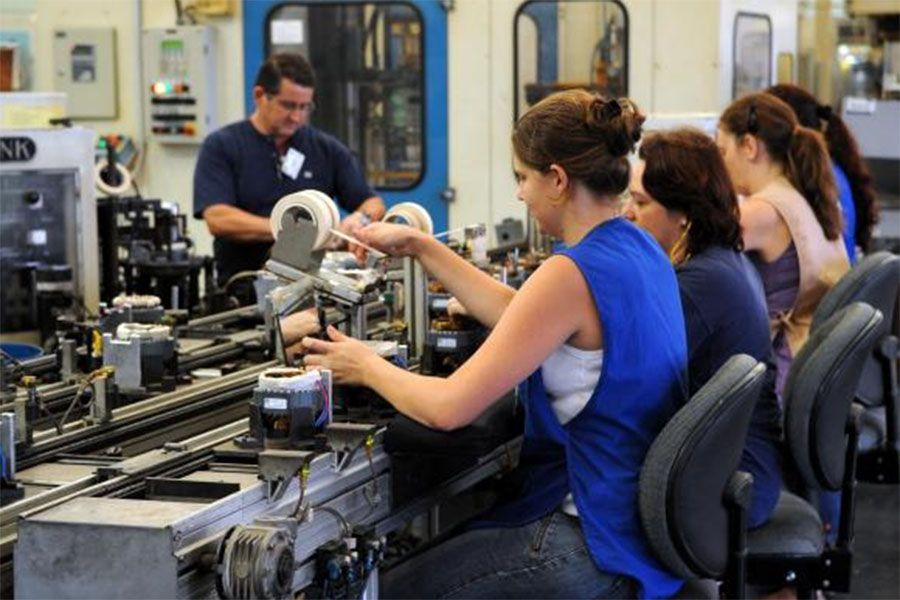 Produção industrial registra alta de 0,8% em maio