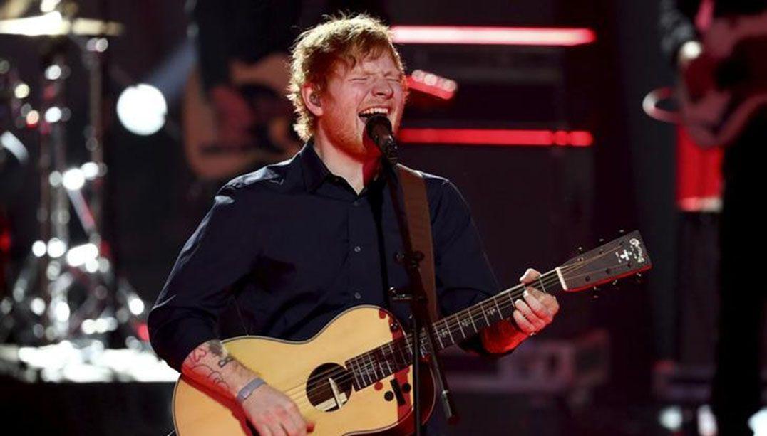 Ed Sheeran chega ao topo da parada Billboard dos EUA