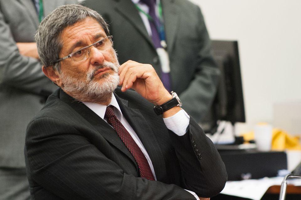 Ex-presidente da Petrobras depõe em defesa de Palocci