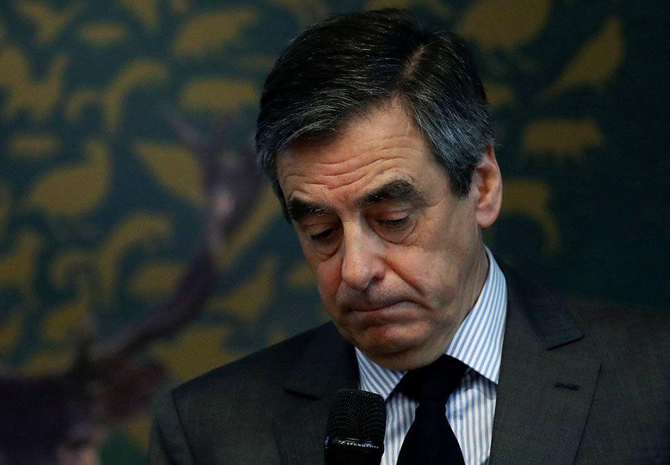 França: Fillon é indiciado por de uso indevido de dinheiro público
