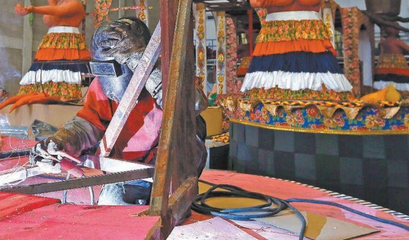 Escolas de samba aceleram preparativos para o carnaval