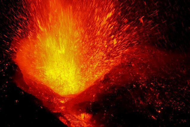 Vulcão Etna volta a registrar erupções na Itália