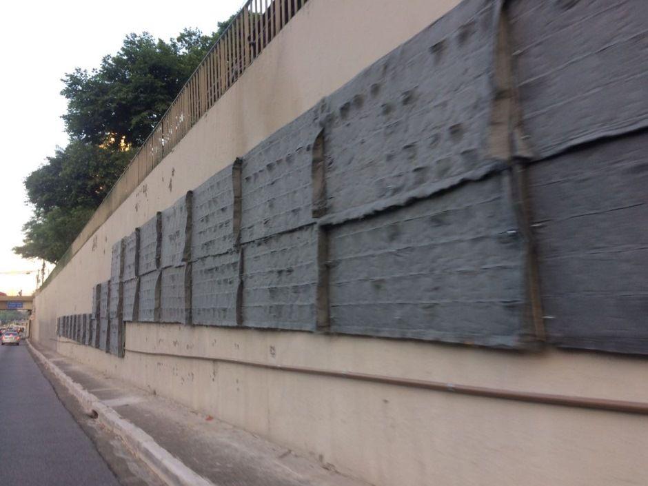 SP: prefeitura começa a montar jardim vertical na Av. 23 de Maio