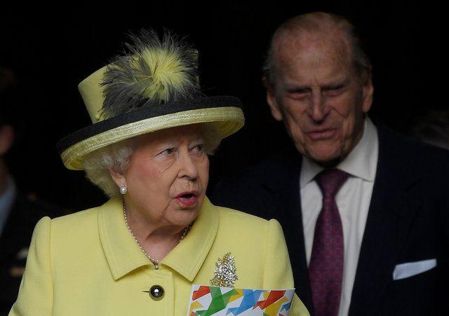 Rainha Elizabeth II assina lei que autoriza início do Brexit
