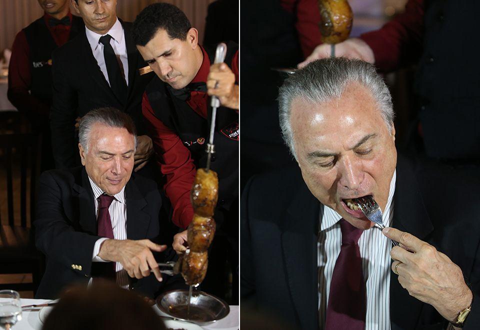 Temer come churrasco com embaixadores após reunião / André Dusek/Estadão Conteúdo