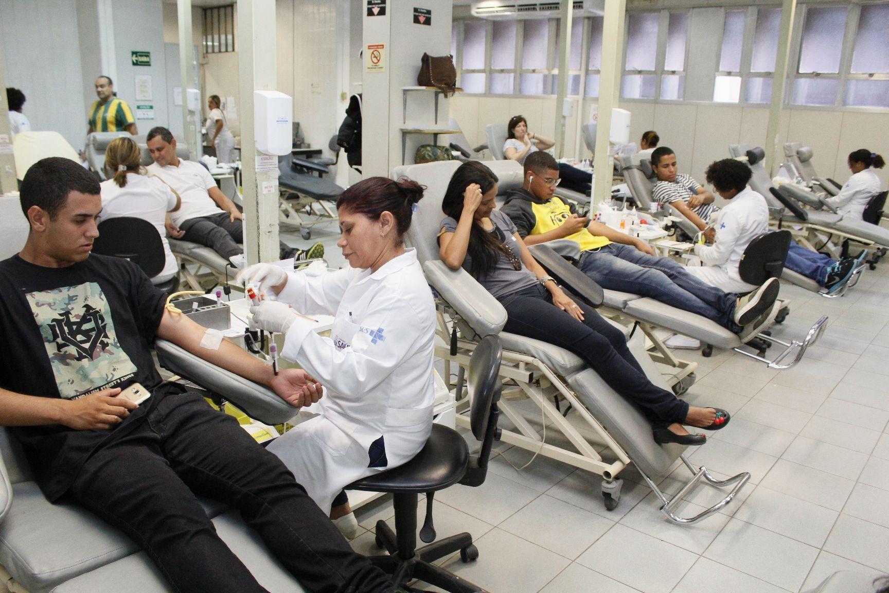 500 doam sangue no Hemorio no 1º de vacinação contra a febre amarela